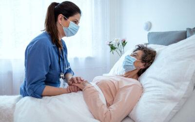 Cuidar de idosos em casa: dicas para visitas profissionais mais seguras